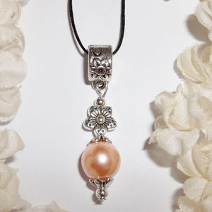 Peach Necklace Faux Pearl Flower Handmade NWT 5006